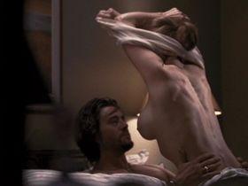 Лорен Холли голая — Беспощадный шторм (2010)
