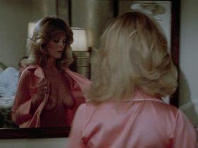 Беверли Д'Анджело голая — Каникулы (1983) #3