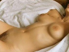 Марион Котийяр голая - Миленькие штучки (2001)