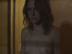 Жозефин Декер голая - Сёстры чумы (2015)