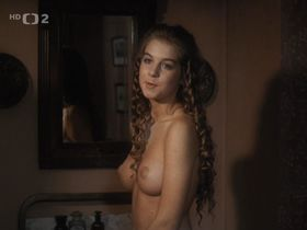 Сабина Лауринова голая - Черный овраг (1989)