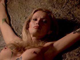 Александра Делли Колли голая - Остров зомби (1980)