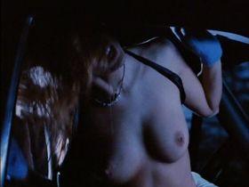 Алина Томпсон голая, Лизетт Энтони голая - Смертельный холод (1996)