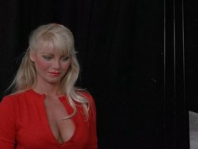 Анджела Амес секси — Мальчишник (1984)