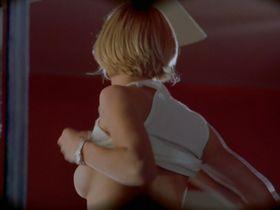 Кэмерон Диаз секси - Все без ума от Мэри (1998)