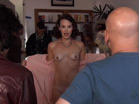 Карла Галло голая - Блудливая Калифорния s02e06 (2008)