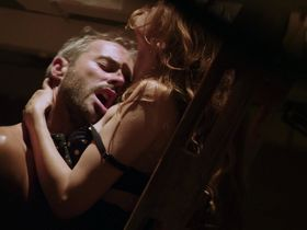 Летиция Каста секси — Вот так подружка (2014)