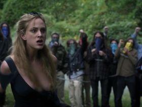 Нора Арнезедер голая, Лола Кёрк секси - Моцарт в джунглях s01e09 (2014) #3