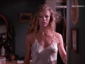Ким Бейсингер секси - Моя мачеха – инопланетянка (1988)