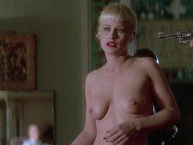 Патриция Аркетт голая — Шоссе в никуда (1997)