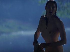 Джоди Фостер голая — Нелл (1994)
