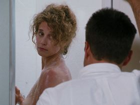 Нэнси Трэвис голая, Аннабелла Шиорра голая - Внутреннее расследование (1990)