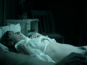 Саския Ривз голая - Влюбленные женщины (2011) #2