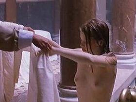 Мелани Тьерри голая — Закон противоположностей (2000)