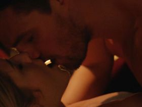 Эмили Бетт Рикардс секси - Стрела: Кровавая гонка s03e20 (2015)