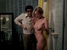 Глория Гвида голая - Хозяйка гостиницы (1979)