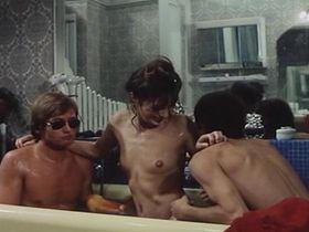 Джейн Биркин голая - Серьезный, как удовольствие (1975)