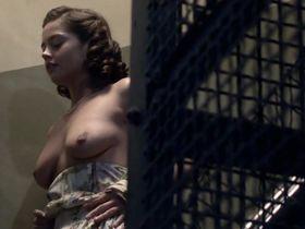Дженна Коулман голая - Комната наверху s01e01 (2012)