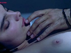 Лаура Моранте голая, Тереза Виллаверде голая - Цветок моря (1986)