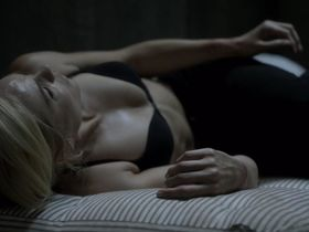 Лора Вандервурт секси — Укушенная s02e04 (2015) #2