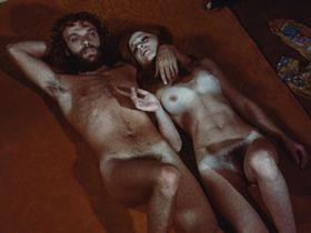 Lilu Авидан голая, Tzila Karney голая - Американский хиппи в Израиле (1972)