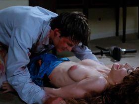 Мария Форд голая, Лулу Уилсон голая - Кровавая вечеринка 3 (1990)