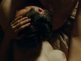 Мари-Жозе Кроз голая - Я ее любил. Я его любила. (2009)