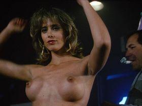 Мишель Джонсон секси, Бринк Стивенс голая, Мишель Бауэр голая, Лора Альберт голая - Убийства-головоломки (1989)
