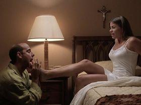 Sofнa Vergara секси, Натали Роуз секси - Большие неприятности (2002)