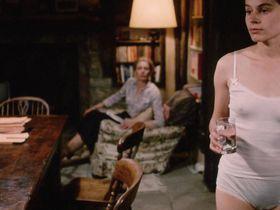 Сюзанна Хэмилтон секси — Уэзерби (1985)