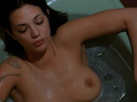 Азия Ардженто голая — Би Манки (1998) #3