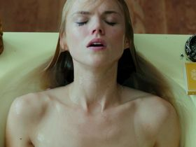 Эрин Ричардс секси — Эксперимент: Зло (2014)