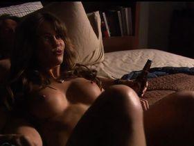 Лаура Нилс голая - Блудливая Калифорния s01e10 (2007)