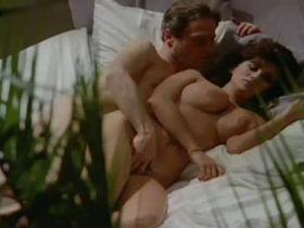 Серена Гранди голая - Страсть к Джулии (1986)