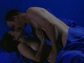 Маргерит Моро голая - Передышка (2003)
