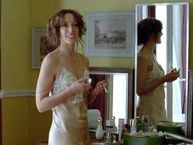 Дженнифер Билз секси - Шахматистка (2009)