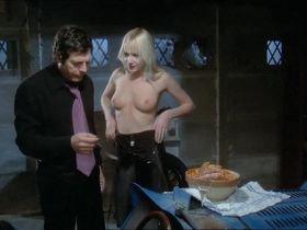 Соланж Блондо голая, Андреа Ферреоль голая - Большая жратва (1973)