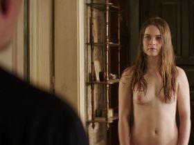 Хера Хильмар голая - Обычный человек (2017)