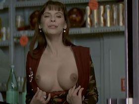 Матильда Мэй голая - Титька и луна (1994)