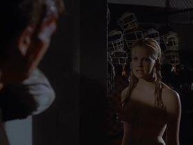 Лора Харрис голая - Факультет (1998)