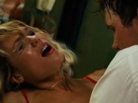 Кристен Хагер секси — Особо опасен (2008) #2