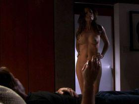 Пола Маршалл голая, Брук Баннер голая, Мадлен Зима секси - Блудливая Калифорния s01e02 (2007) #3