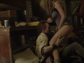 Розанна Аркетт секси — Разделитель (2011)