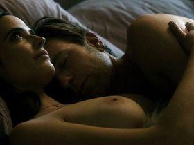 Ева Грин голая - Последняя любовь на Земле (2011)