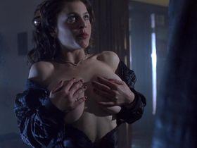 Зои Триллинг голая — Ночь демонов 2 (1994)