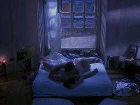 Бриджит Фонда голая — Одинокая белая женщина (1992) #3