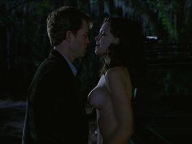 Кэти Холмс голая — Подарок (2000) #3