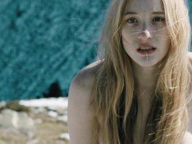 Софи Лоу голая — Осенняя кровь (2013) #2
