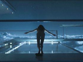 Андреа Райзборо голая - Обливион (2013) #2