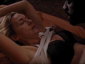 Кейт Уинслет секси - Между нами горы (2017)